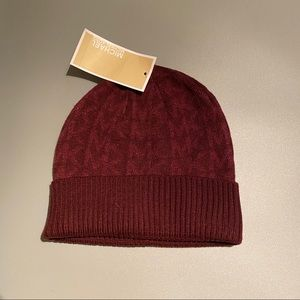 Michael Kors BEANIE MK Logo in wine color New